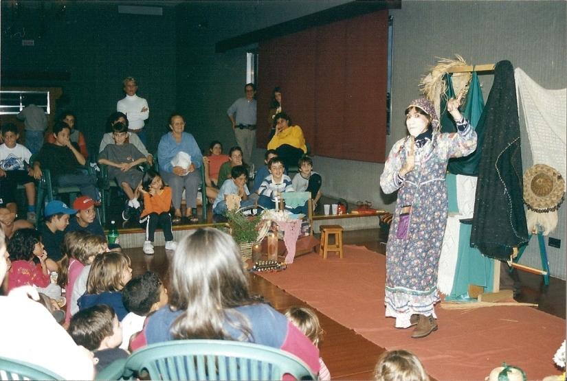 Tininha Calazans: contadora deestórias