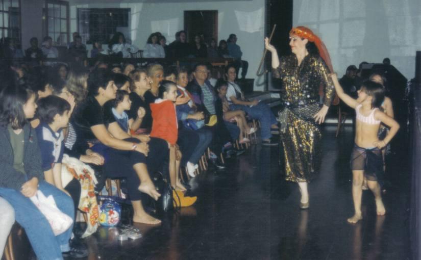 Aula e Show de DançaÁrabe